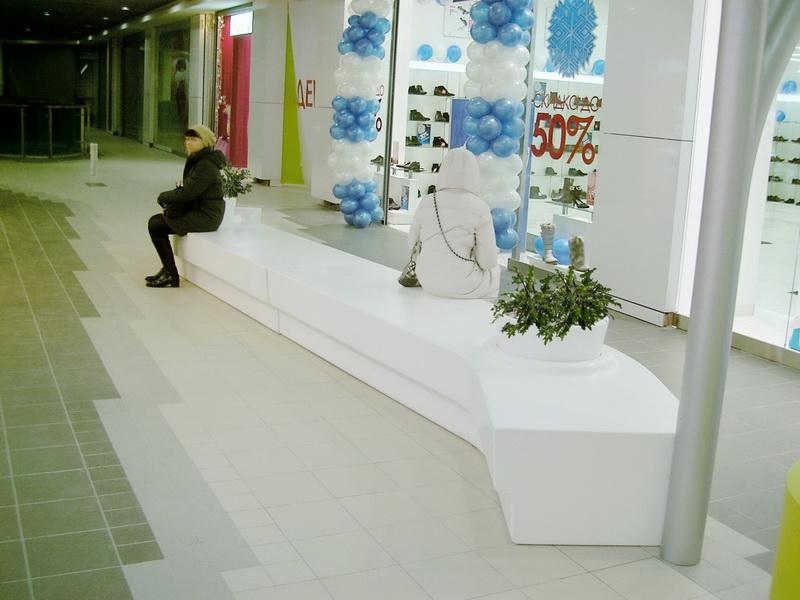 скамья для торгового центра