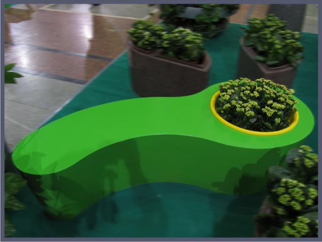 цветочница и скамья для оформления торговых цетров